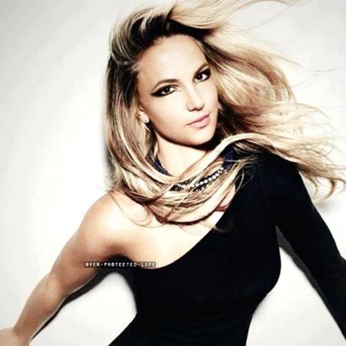 Britney Spears - Berzerk (DEMO)