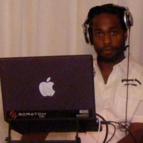 8-01 DJ VERSATYLE  PRESENTS KLASSIC LOVERS ROCK/REGGAE  (MAY 2013)