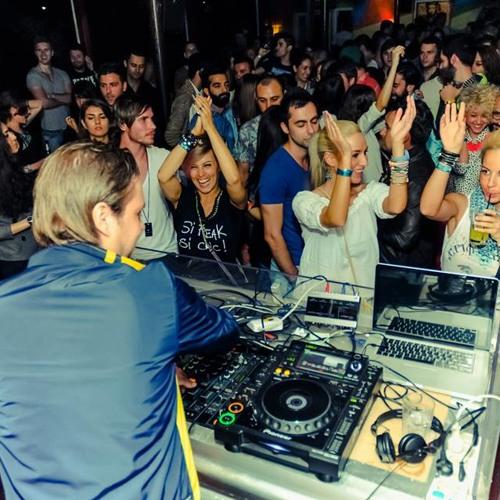 Chris Jylkke Live @ GOOD LIFE, Bucharest (2013)