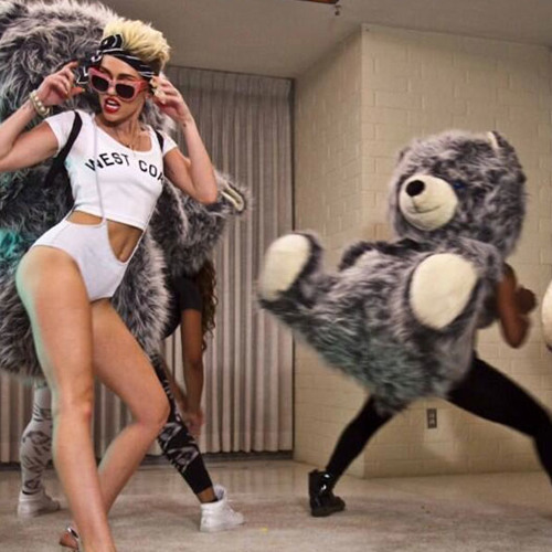 Direct from Hollywood: Miley Cyrus Reveals Where She Learned to Twerk