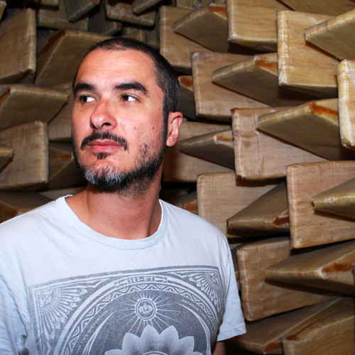 Radio 1's Stories 'Loud Wars' Clip - Zane Lowe in the Dead Room!