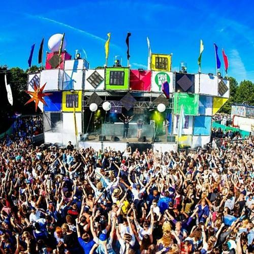 Girls Love DJs @ Amsterdam Open Air 2013 - Zaterdag 8 juni - GirlsLoveDJs