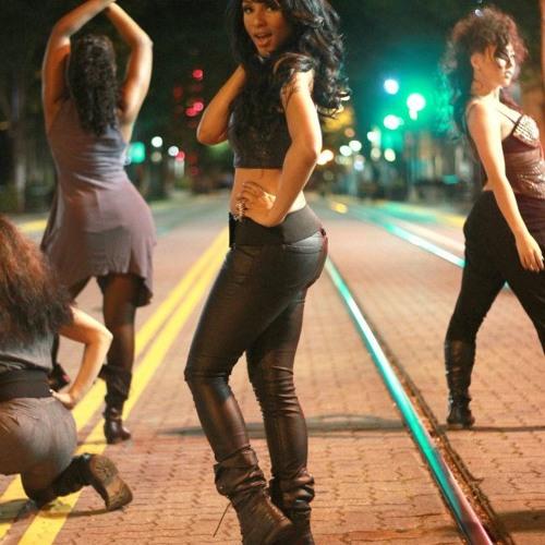 DanceFloor Tia Ferrera fet. Terin Thompson & six ( Prod FiREWORKS )