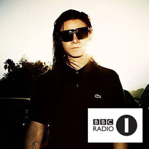 "Skrillex plays ""Go Deep (Astronomar remix)"" on BBC Radio 1 Essential Mix"