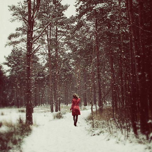 Her winter of red (vintage tape edit)