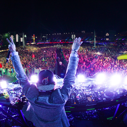 Borgore - Live @ EDC LV (06.22.13 on Bass Pod)