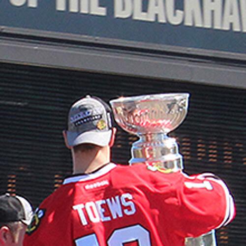 Jim Cornelison's National Anthem Opens Blackhawks' Ralley