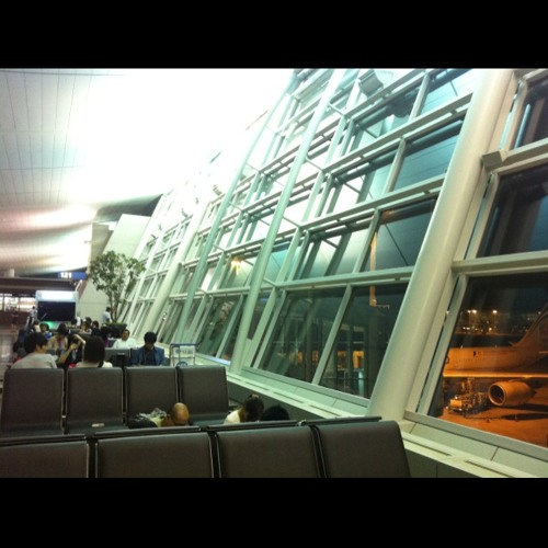 I'll go to Amsterdam and Brussels at Incheon airport