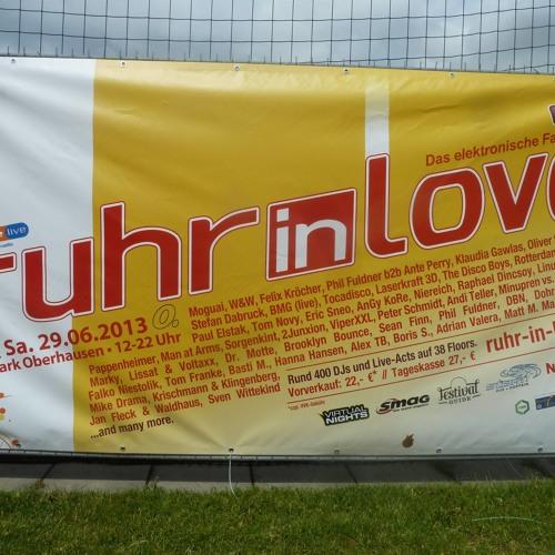 Manuel Orf aka Viper XXL @ Ruhr in Love 2013 Abfahrt Floor