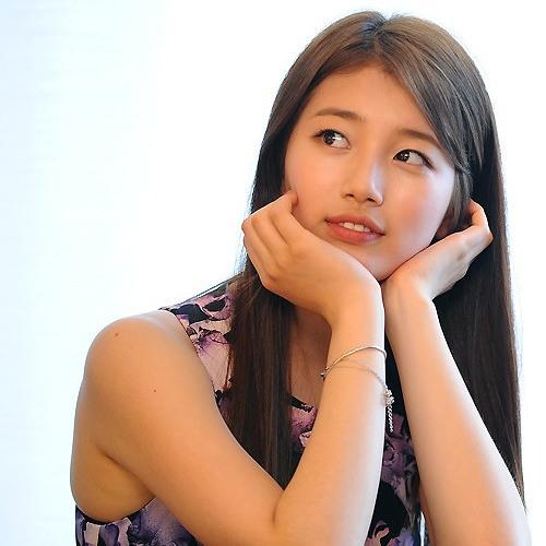 Suzy - Moment
