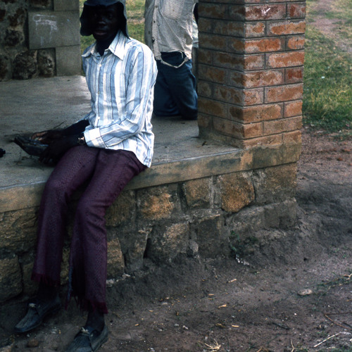 Moru sanza music from South Sudan by Timon Beri [4/5] [2013_1_ 11_ A _4]