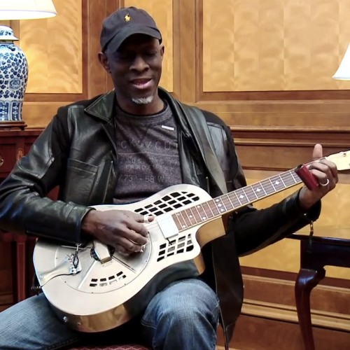 "Keb Mo Performs ""America The Beautiful"" at The White House"