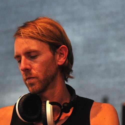 Elay Lazutkin - What You Do (Richie Hawtin - DE9 Fragments 6. - Copenhagen, Aug 2012) Mix Cut