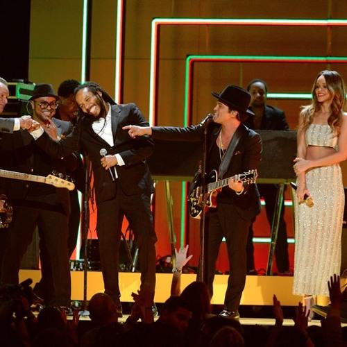 Bruno Mars / Rihanna / Ziggy Marley / Damian Marley - Could You Be Loved