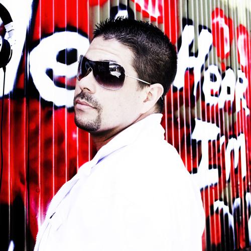 DeeCee -Slither- (Original Mix) Free Download