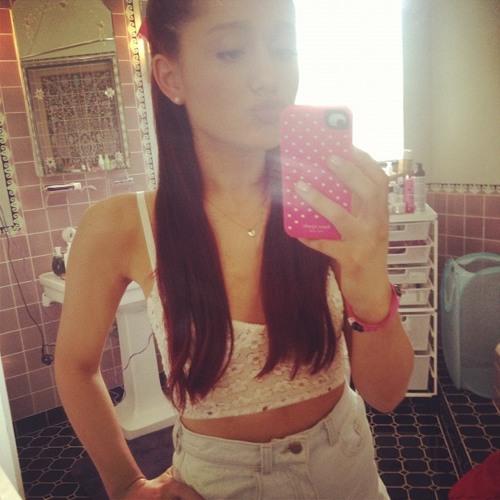 Ariana Grande - Daydreaming (Full Song)