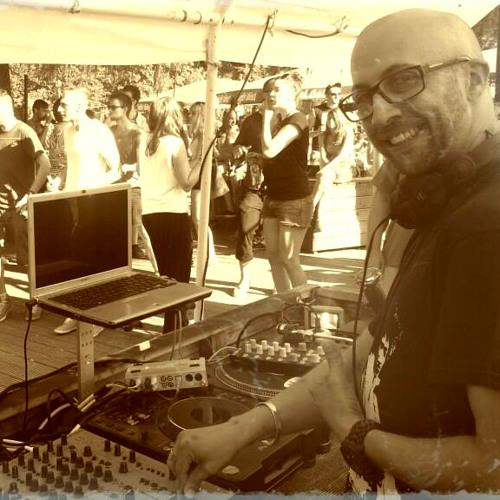 DJ SET ::: Minimal Spieltrieb Podcast ::: von&zu (aka PIERCE) live @ Kulturdeck CGN, DE // 07.2013