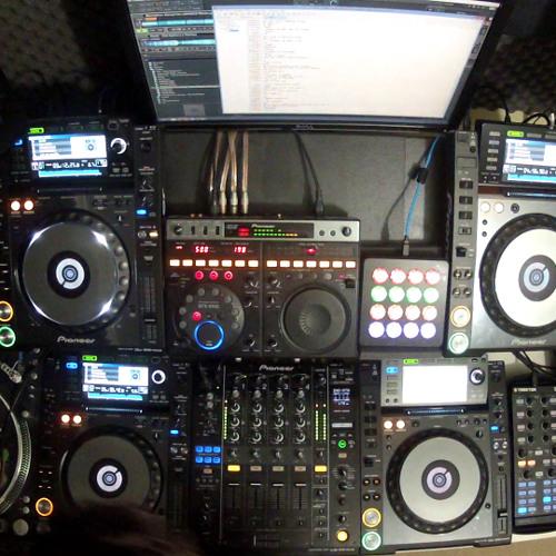 DJ Cotts - Live on Happyhardcore.com 25-JUL-13