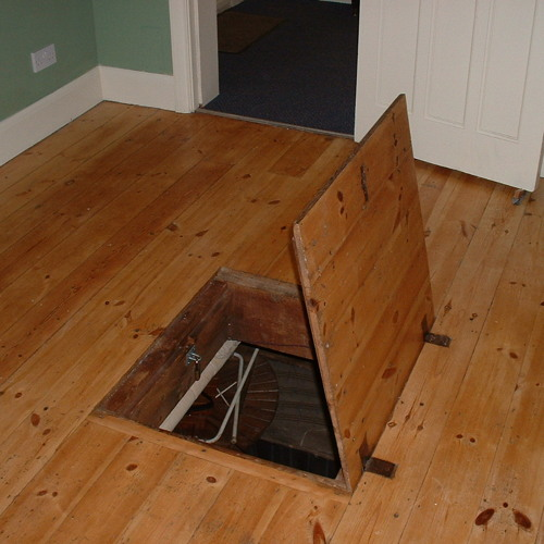 #TrapdoorthatSnitch