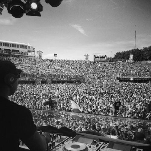 Chuckie - Live @ Tomorrowland 27.07.2013