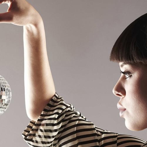 Disco Balls & Disko Chix (Kung Pow & Kimmy Bee Bootleg)