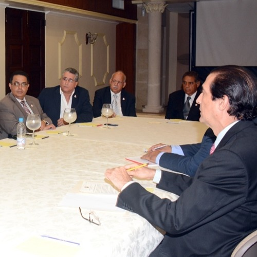 Ministro Montalvo se reúne con directiva de ANDECLIP