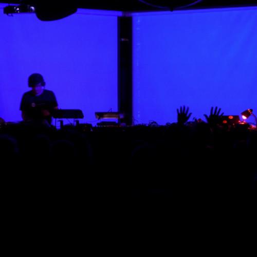 Vesa-Matti - Live @ KTK V, Kuudes Linja, Helsinki (26.7.2013)