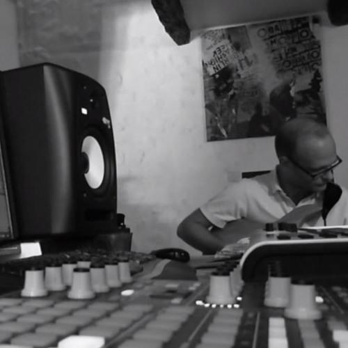 ArtLow - Black And Grey (Ambient Live improvisation - Video link)