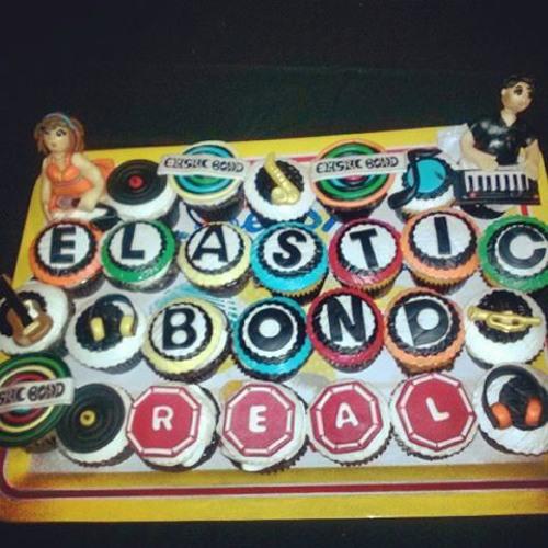 Elastic Bond - La Curandera