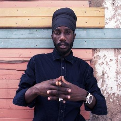 Sizzla X King Tubby - Holding Firm