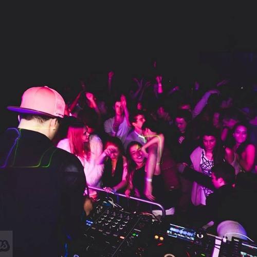 TJR & Avicii - Wake Me Up Suckaz (Nick Athans & Sell Out MC Edit)