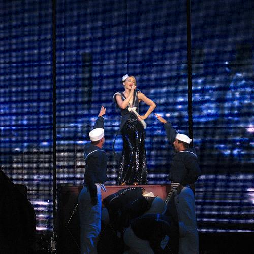 Kylie - Loveboat/Copacabana/Spinning Around (X2008 Live)