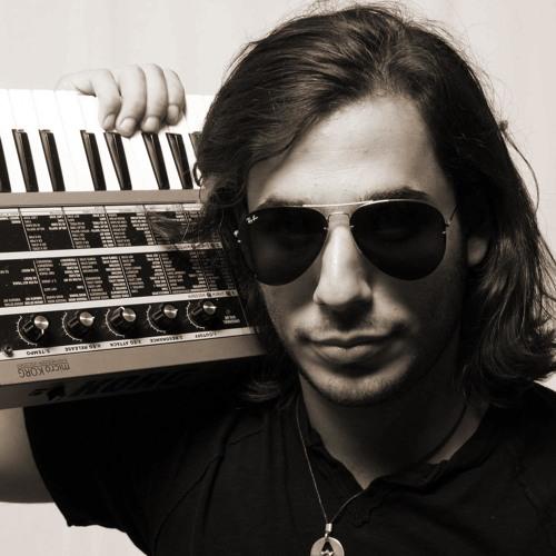 The Chemical Language show episode 004 - Guest mix :  Dan Thomas @ Di.fm/electro