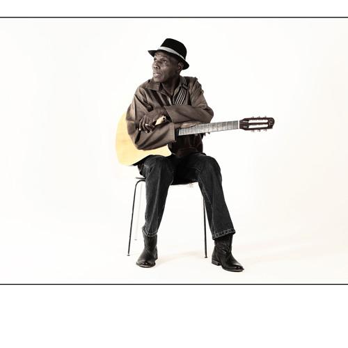 Huroi - Oliver Mtukudzi