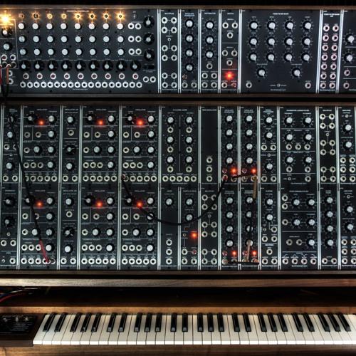 Enter The Moog (Original Mix) Free Download