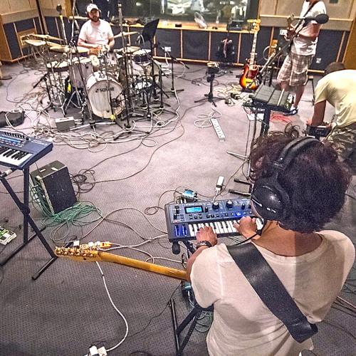Introducinglive daftpunk minimix (38 songs played live 5 minutes)