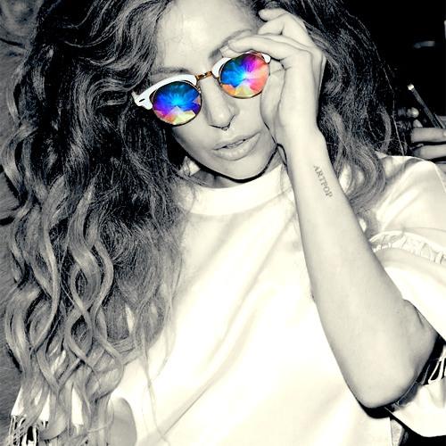 Lady Gaga - Ratchet [Snippet] (Live at Bouji's Club, 9/1)