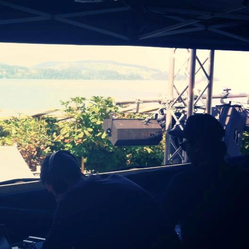 Nabin & Sil B easy cheesy sunny music set @ Treegarden Openair