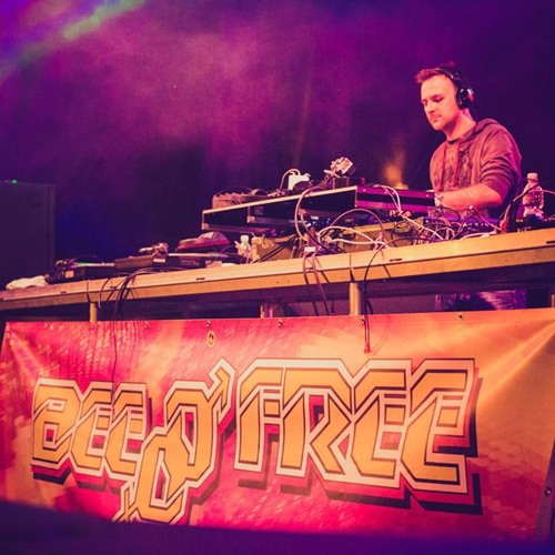 Michael C - Live @ BeeFree Open-Air 27-7-2013 (SK) *FREE DOWNLOAD*