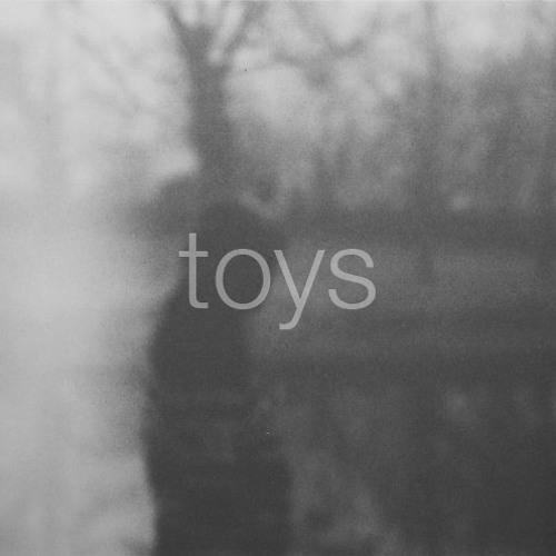 TOYS Mix #008 Essáy