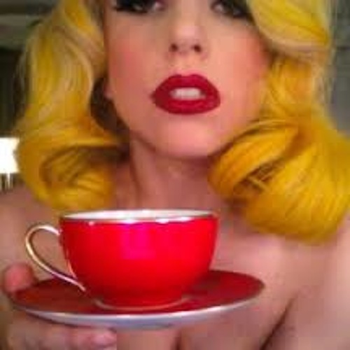 LADY GAGA -TEA
