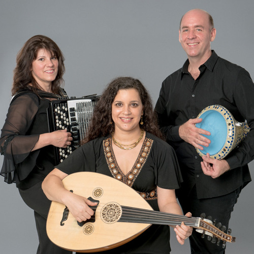 Parfum du Gitane performed live by Salaam trio