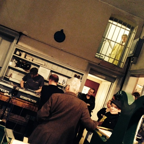 Howlround - Live At Kirkcaldy Testing Museum 26.09.13 - Extract