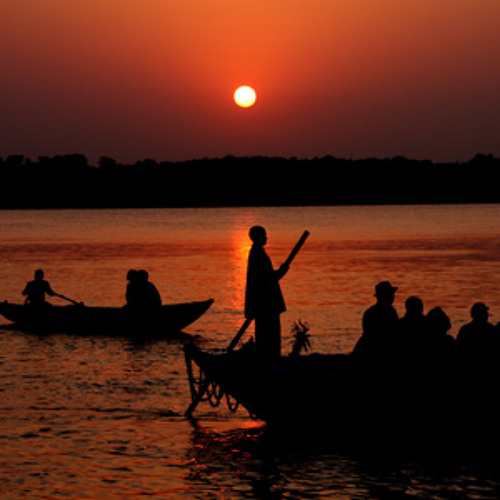 Banks of Ganges in the evening - Varanasi - India
