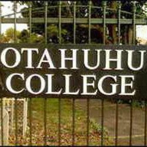 Common King Ft Fiji  >>> Holo.c at Otahuhu Police Station