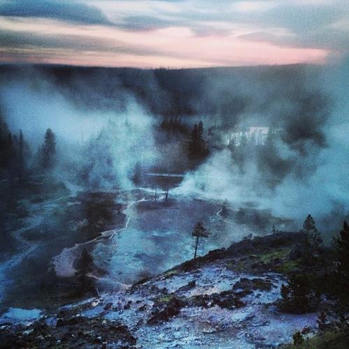 Yellowstone - Artist Paint Pots - mud pot + steam vents (No 305)