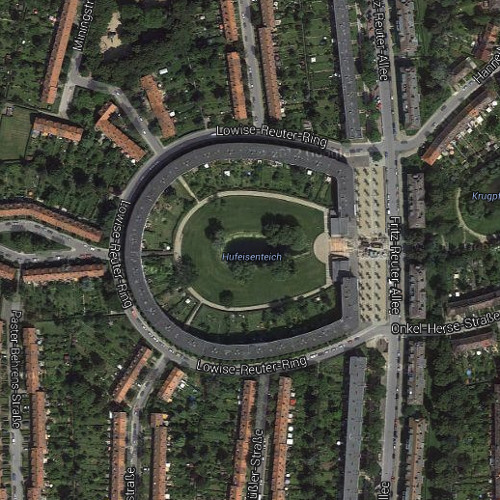 RS#19 2013: Where to live in Berlin? Bruno Taut's Horseshoe Estate or Merkel's old apartment?
