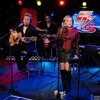 Avril Lavigne and Chad Kroeger perform Let Me Go at the Howard Stern Show [15.10.2013]
