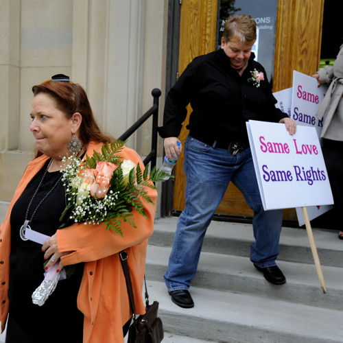 Lansing couple disappointed by lack of ruling on Michigan's same-sex marriage ban