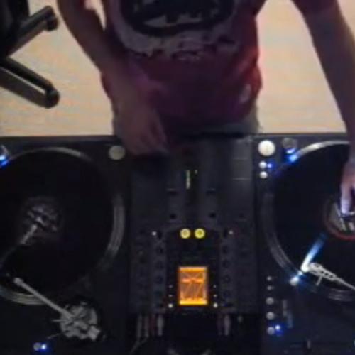 ARCHIVES DJ Ravine's Non Mainstream Happy Hardcore Mix 06-02-2007